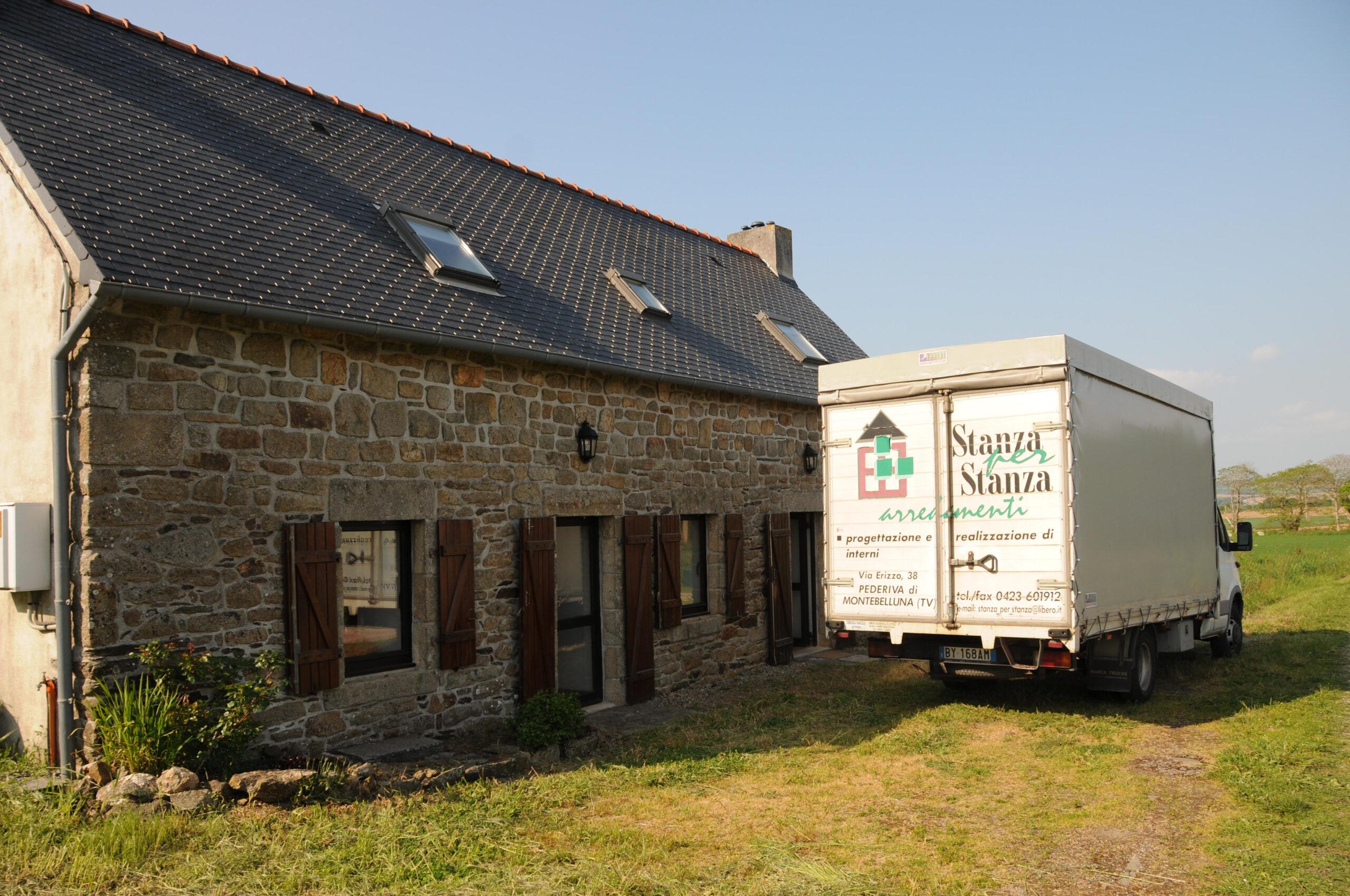 Stanza per Stanza Arredamenti di Vettoretti Mirco: cucina in Francia