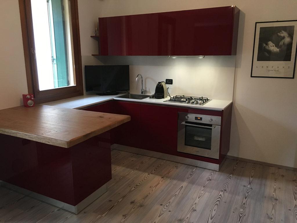 elettrodomestici Franke piano cucina con schienale sp.2 quarzo sugar white