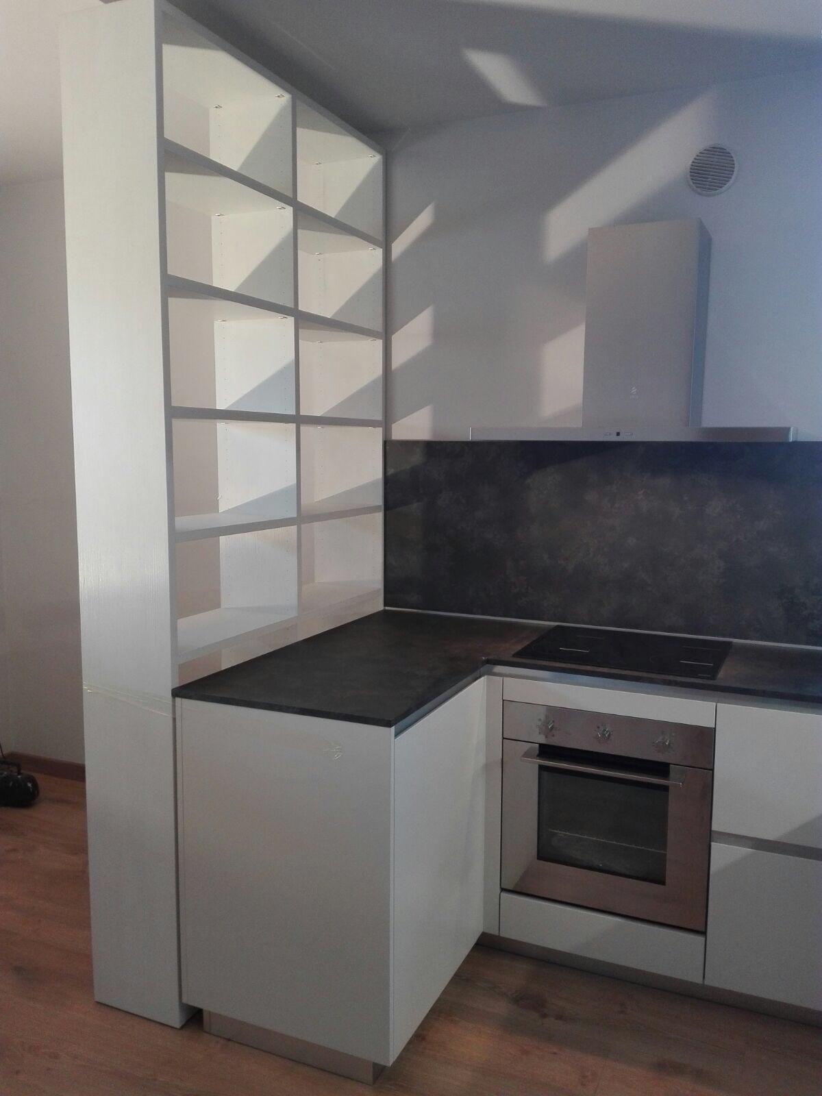 A Montebelluna Cucina open space GD e libreria Spagnol - Stanza per Stanza Arredamenti di Vettoretti M.