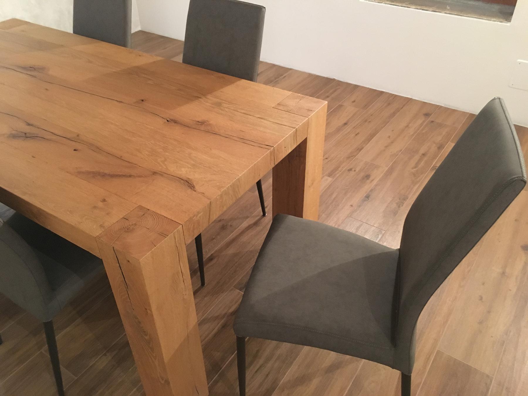Tavolo rovere vecchio con sedie ecopelle vintage selezione Stanza per Stanza